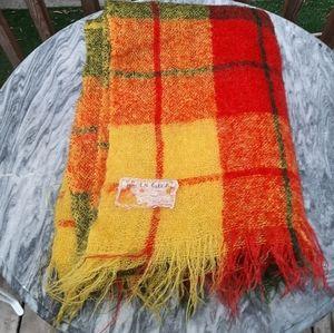 Vintage throw blanket feels like mohair